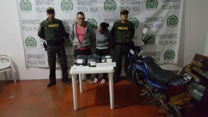 En una tula llevaban varios paquetes con estupefacientes y fueron capturados en Íquira