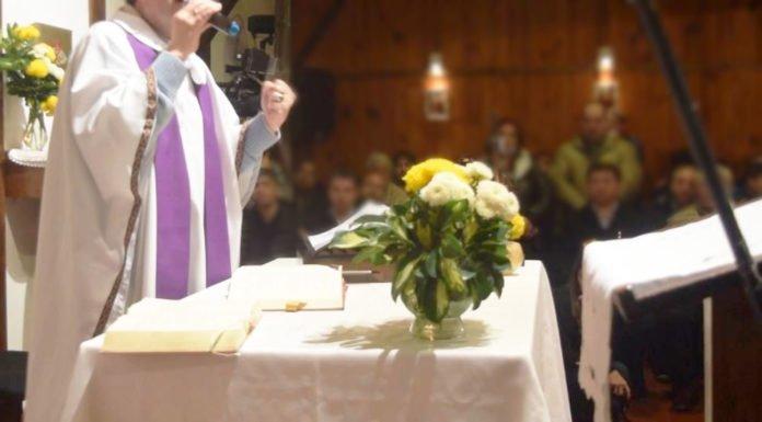 El sacerdote de Pitalito que en plena misa pide votar por Iván Duque
