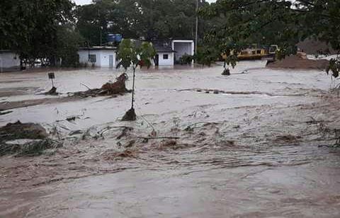 Fuertes lluvias, causaron desbordamiento de la quebrada El Arenoso de Rivera
