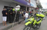 En medio de un intento de asalto en entidad bancaria, capturan a un hombre en Garzón