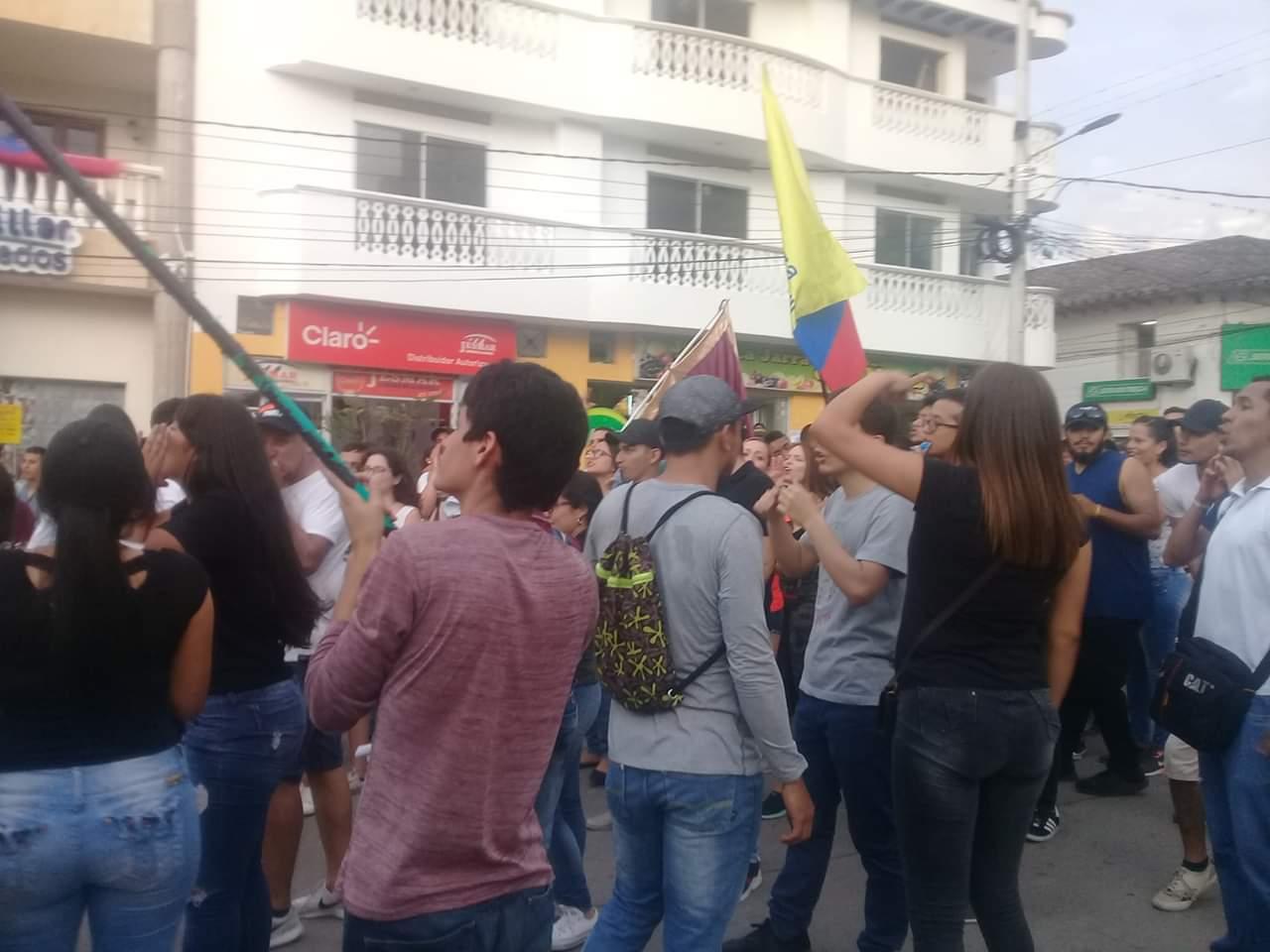Estudiantes universitarios de Garzón, se hicieron sentir.