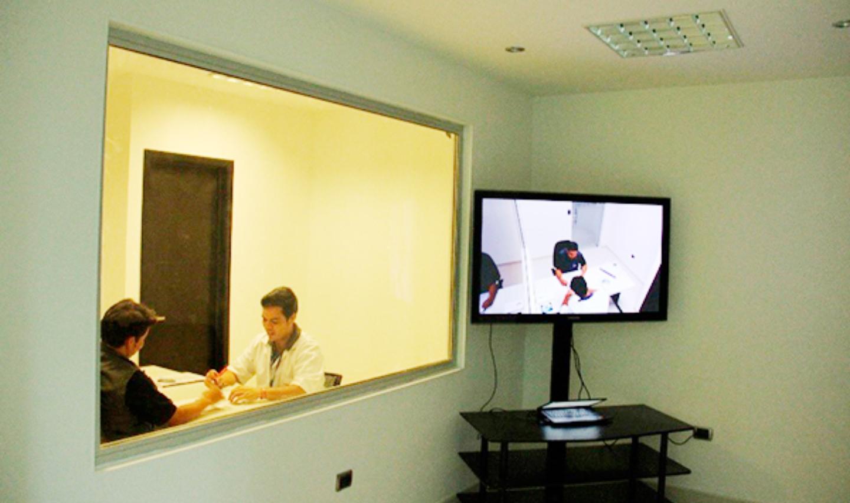 Implementarán sala de Gessel para atención a víctimas en La Plata