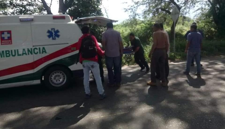 Aparatoso accidente de motociclistas dejó dos personas heridas en Campoalegre