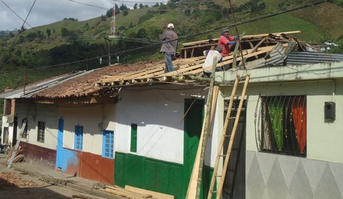 Proyecto de mejoramiento de vivienda urbana se cumple en Nátaga
