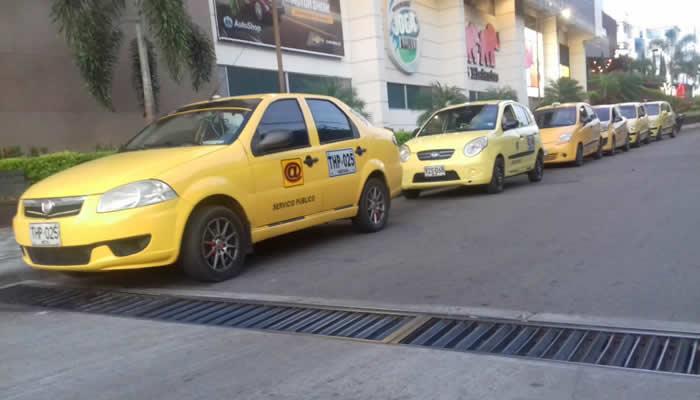 Taxistas de Neiva a paro indefinido este miércoles por incremento del mototaxi
