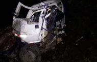 Dos heridos al accidentarse un vehículo de carga cerca a Suaza