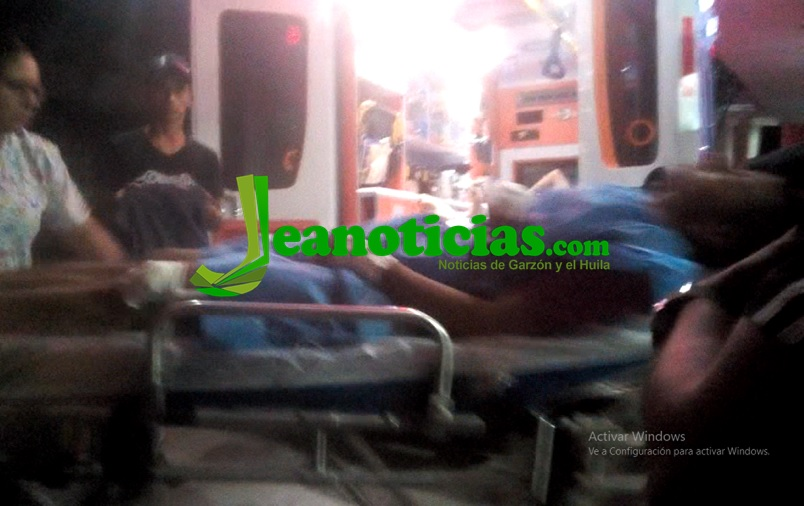 Cuatro personas y un policía resultaron heridos en Tarqui
