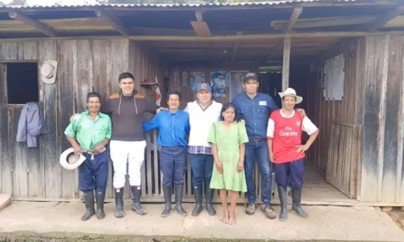 Energía eléctrica llegó a una familia de la zona más lejana de La Argentina