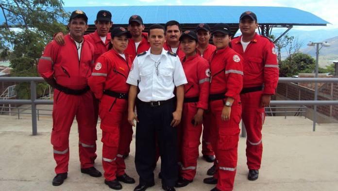 Inversiones representadas en materiales para mejorar la sede operativa, así como varios implementos para mejorar la capacidad de respuesta a emergencias, realiza la Alcaldía de Iquira con los bomberos de su municipio.
