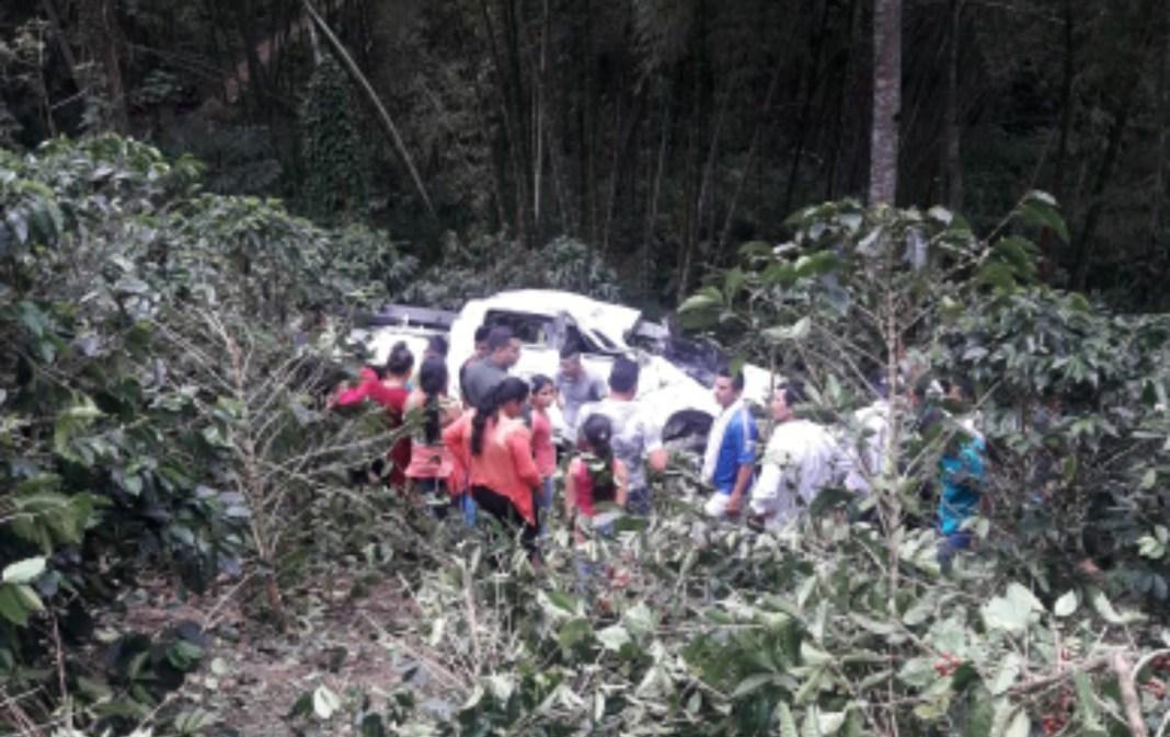 Tres heridos y un muerto al registrarse accidente en Alto Santa Bárbara Timaná