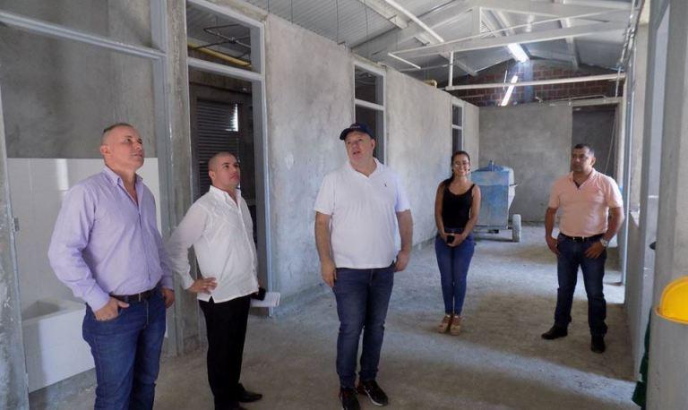 Visita de inspección al avance de obra en el nuevo hospital de Paicol