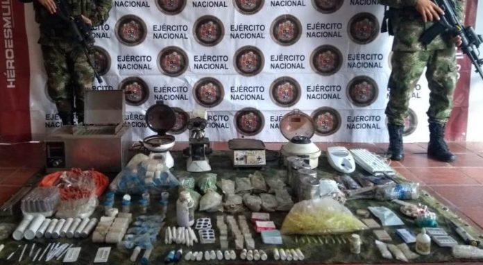 Ejército en el Huila ubicó e incautó caleta con material clínico